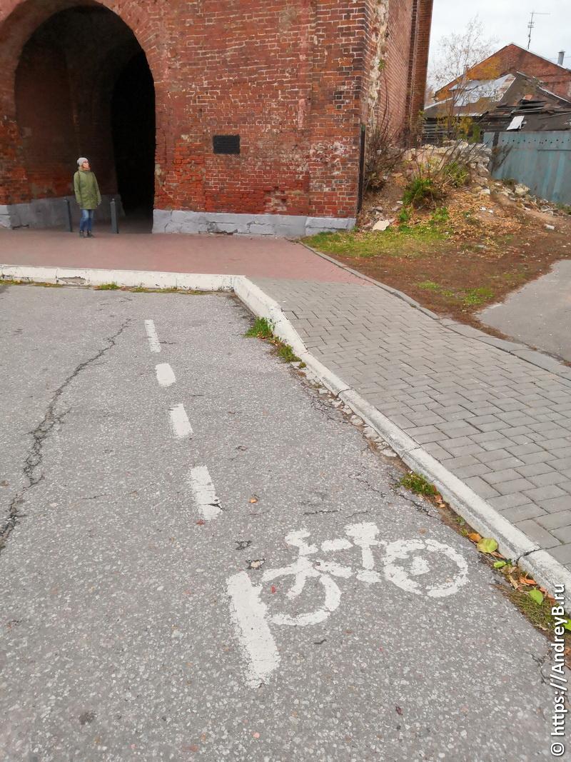 Велодорожка уходит в тупик